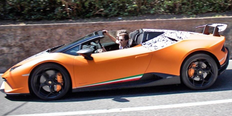 兰博基尼Huracan Performante敞篷版惊喜亮相街头,于9月法兰克福车展正式发布