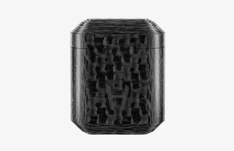 奢侈品牌Hadoro 为苹果AirPods打造碳纤维特制版