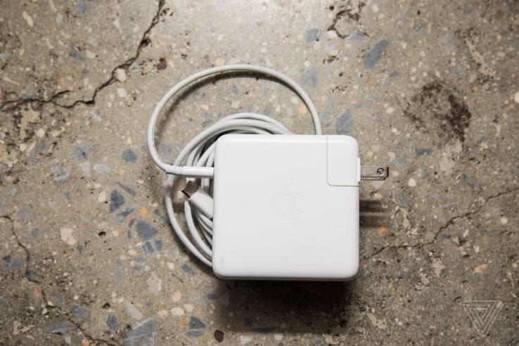 苹果充电器受到特朗普贸易战的冲击
