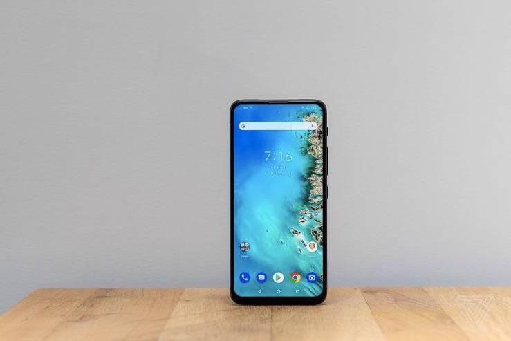华硕配备翻盖摄像头的手机ZenFone 6目前已在美国上市