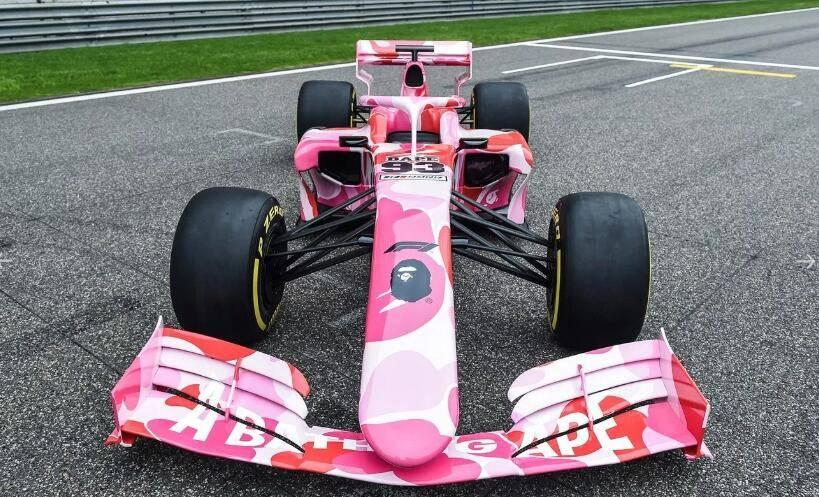 Formula 1 打造粉红迷彩样式车型