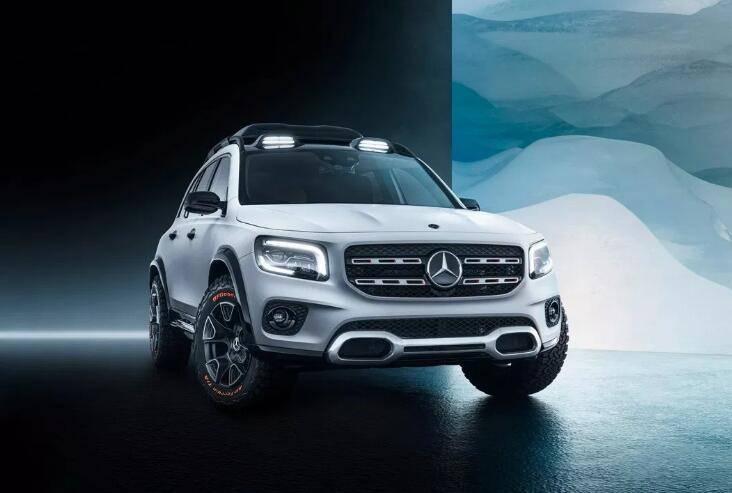 带有科幻感和奢华内装的完美奔驰SUV