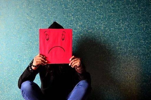 抑郁症多可怕?IT男10年积蓄被妻子捐空