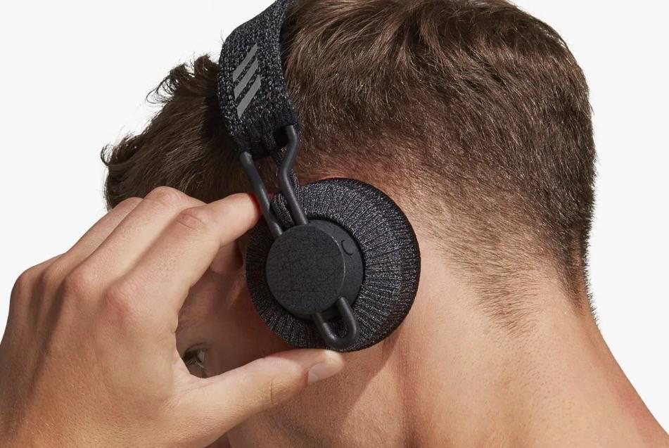 运动感adidas x Zound 联名运动耳机登现