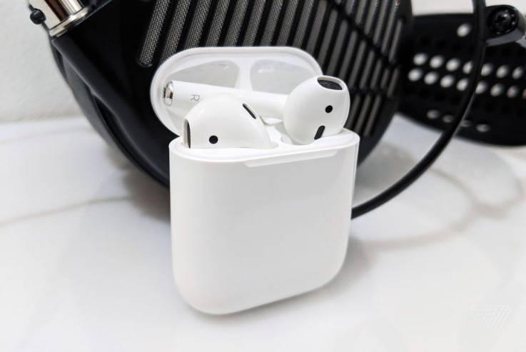 据传苹果将在10月底推出新款AirPods Pro耳机