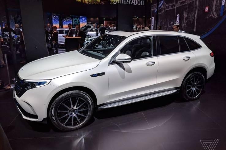 奔馳的電動SUV起價為67,900美元