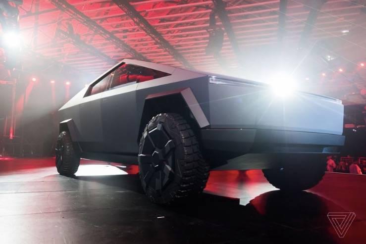 特斯拉已经收到了14.6万份引起争议的赛博卡车订单