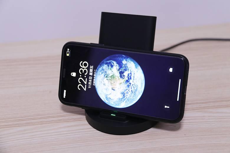 换个姿势充电!小米立式无线充电器图赏