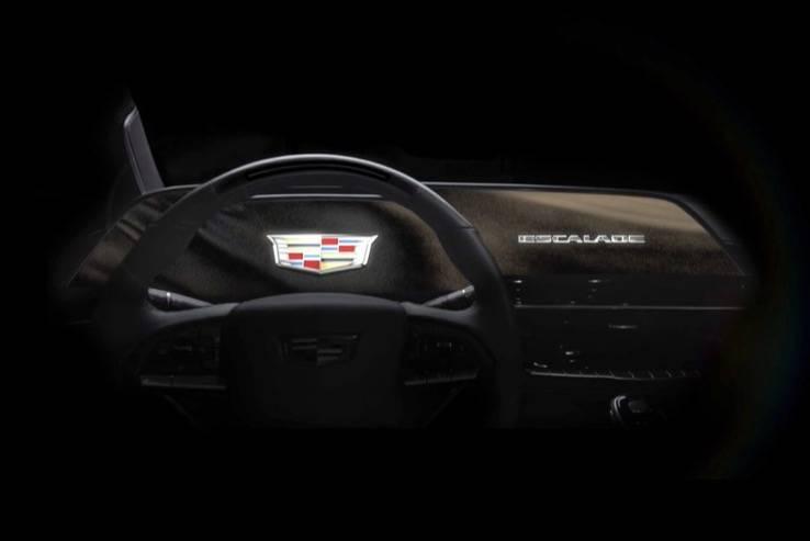 2021款凯迪拉克凯雷德拥有38英寸曲面OLED显示屏