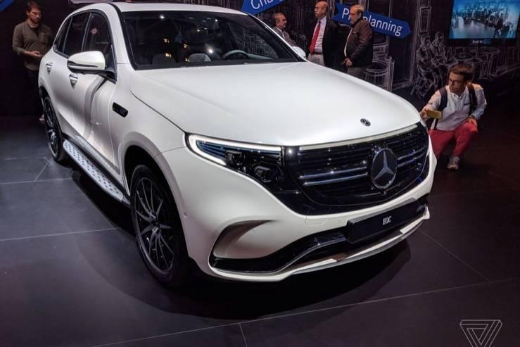 梅赛德斯-奔驰推迟在美国推出其首款面向大众市场的电动汽车