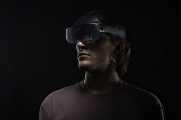 OPPO未来科技大会开幕,首款AR眼镜亮相