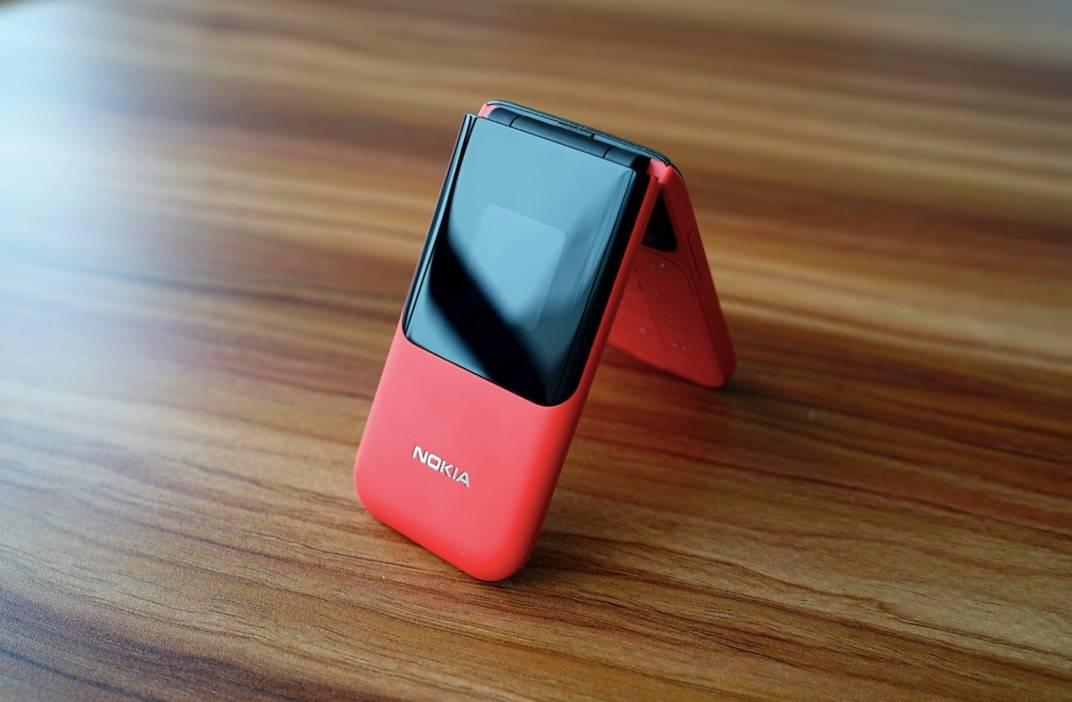 诺基亚2720 潮流复古翻盖手机图赏:内外双屏 三网 4G