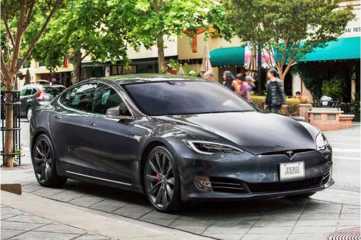 特斯拉在出售二手Model S后,远程关闭了Autopilot功能