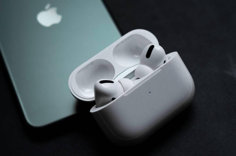 向更轻更小进击,苹果或将推出AirPods Pro Lite