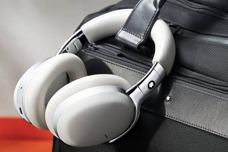 万宝龙的第一款耳机可以预见是豪华和昂贵的