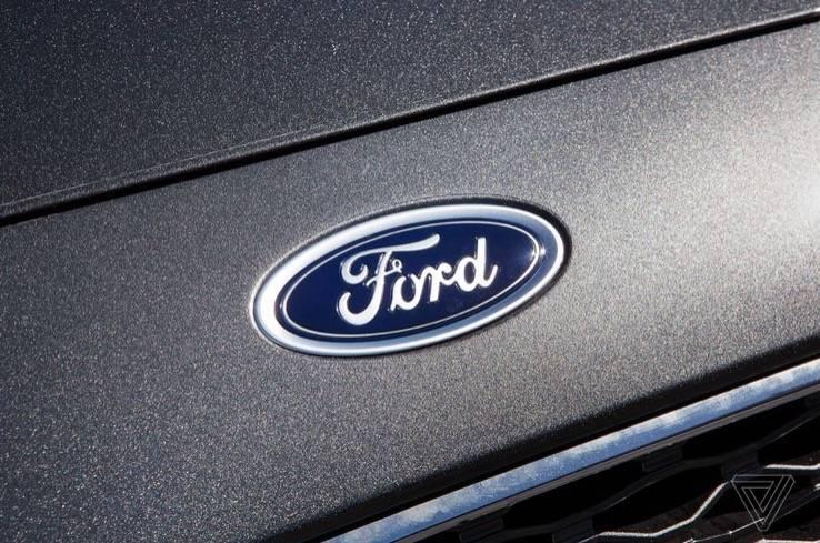 福特与特斯拉和通用汽车一起帮助提供呼吸机和口罩