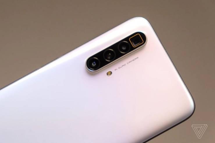 Realme公布欧洲旗舰499欧元与潜望镜变焦和120Hz屏幕