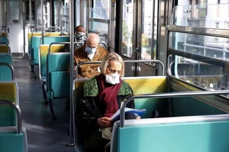 法国正在使用人工智能来检查人们是否在公共交通工具上戴口罩