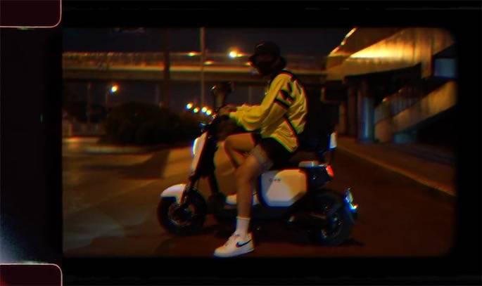 雅迪V1城市体验:舒适轻便,骑行动力更强