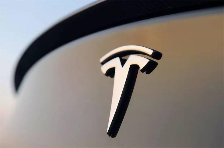 特斯拉认定拼多多团购构成转卖 律师:车主应向商家索赔