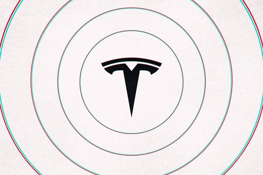 """特斯拉的""""完全自动驾驶""""软件开始向选定的客户推出"""