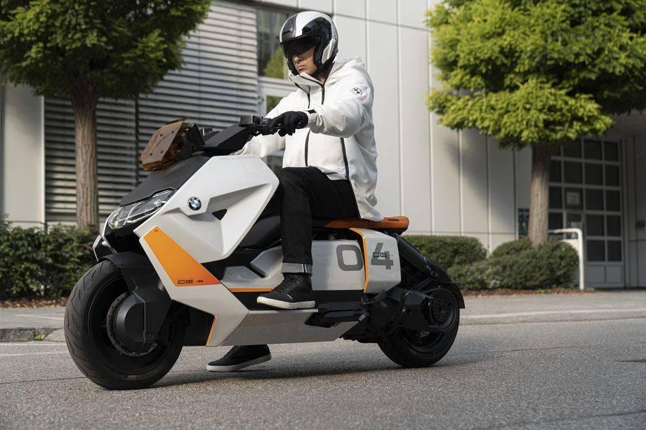 宝马的新电动车概念旨在成为你的赛博朋克坐骑