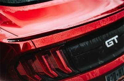 新能源汽车集体狂欢背后 谁在格外焦虑?
