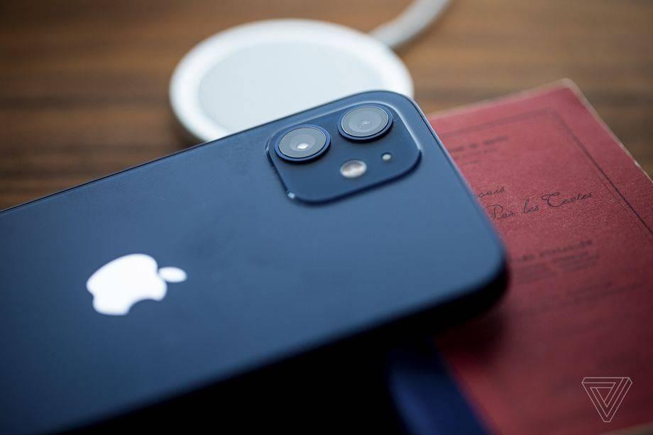 据报道,苹果正在制作可折叠iPhone屏幕的原型机