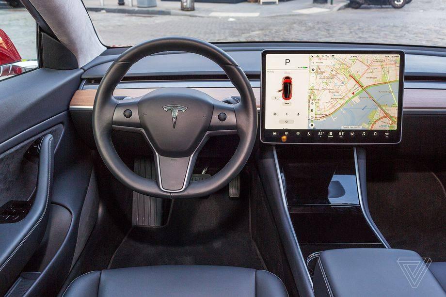 """在美國特斯拉終于開始發布""""完全自動駕駛""""測試版9"""
