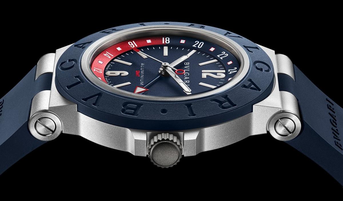 宝格丽新推铝制GMT国际旅√游腕表
