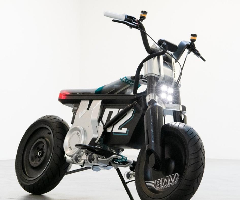 宝马摩托推出概念EV摩托车CE02